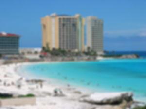 大型リゾートホテルが充実するカンクンはやっぱり人気のビーチリゾート