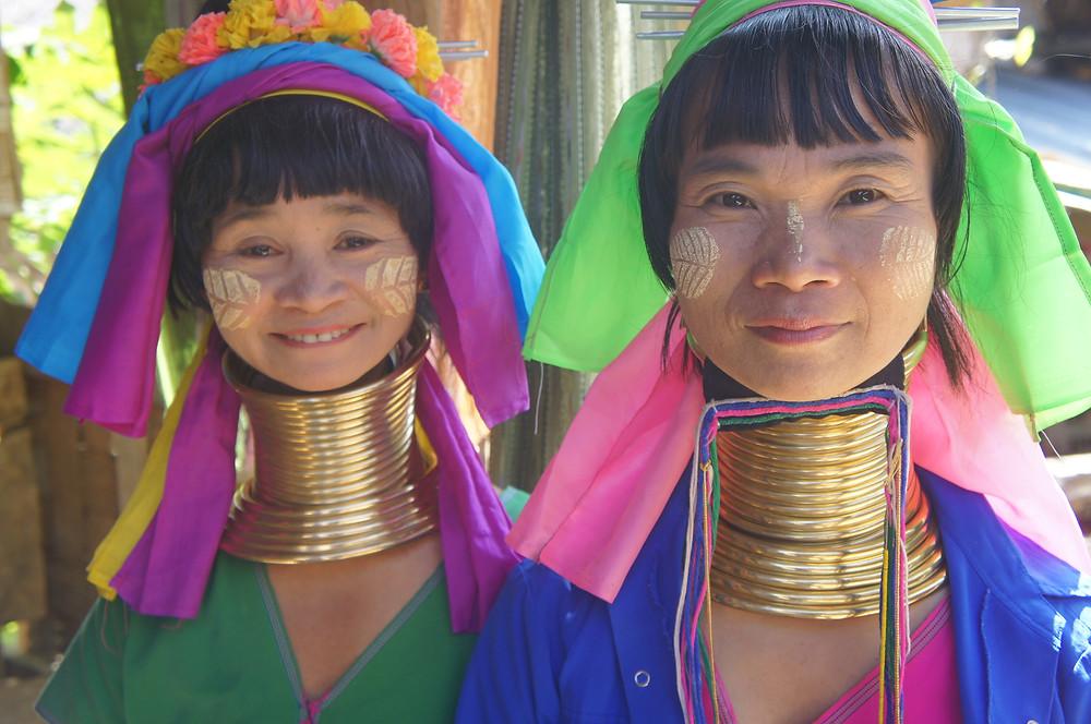 首長族の村があるのはタイの北の北!