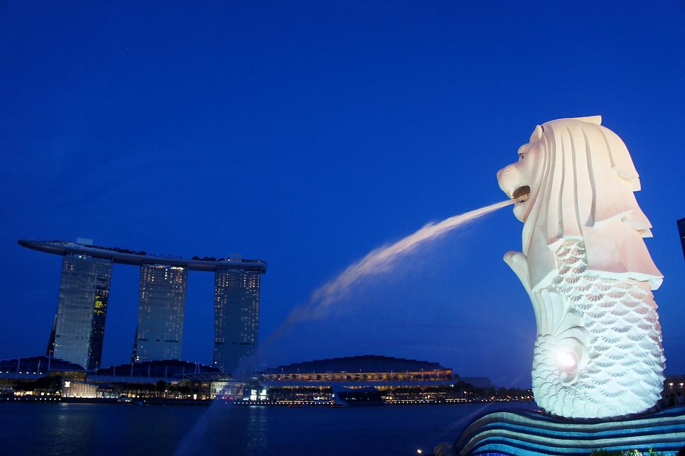 屋上にプールがあるあのホテルはシンガポール!