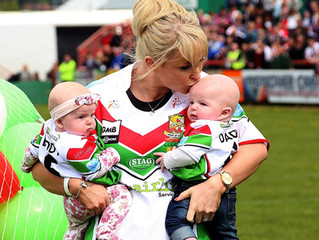 Danny Jones: The heartbreaking but proud moment rugby player's wife took their twins on to the p