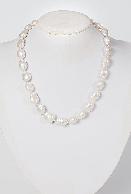 693 - Baroque pearls