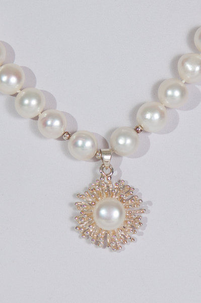 617  Pearls with silver and pearl pendant