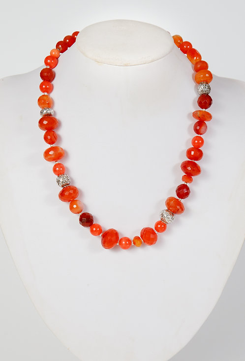862 - Facetted carnelian with Syrian silver beads
