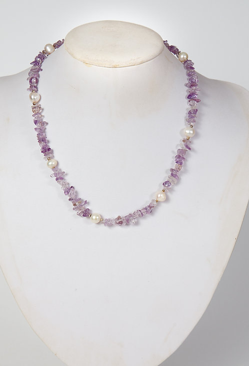 798 - amethyst chips with pearls