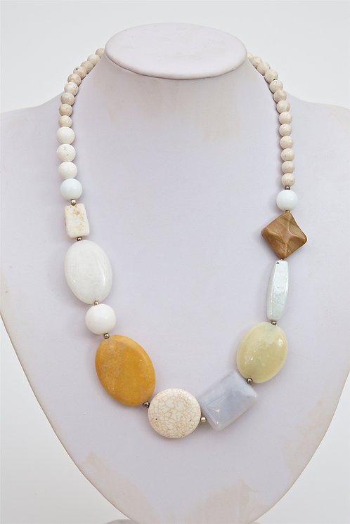 734 - Mixed agate stones