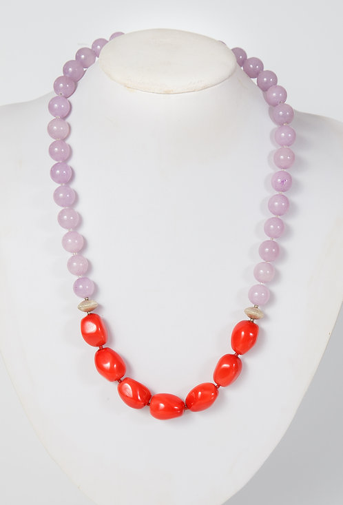 762 - Dyed lilac jade with red MOP and silver discs