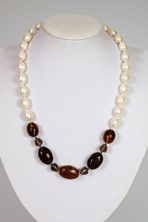 Amber,pearls,quartz 587