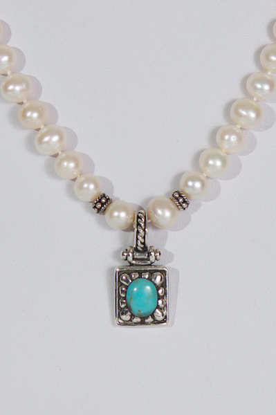 679  Pearls with turquoise/silver pendant