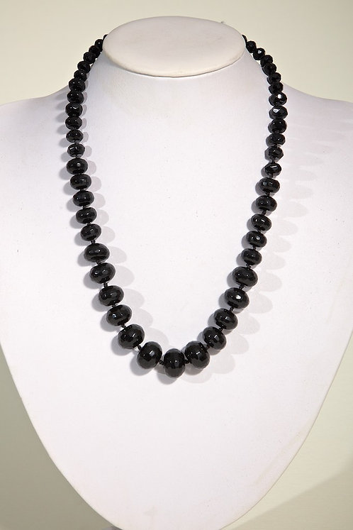 Facetted black onyx 517