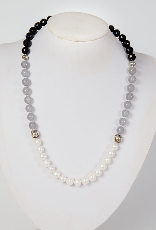856 - Pearls, agate, crystals and silver