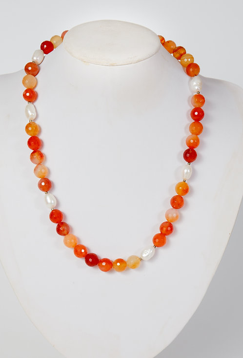 780 - Facetted Carnelian and Pearls