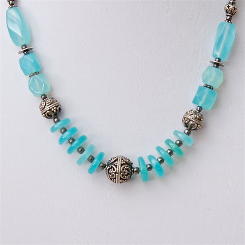 709 -  Blue stones with silver beads - Uzbekistan