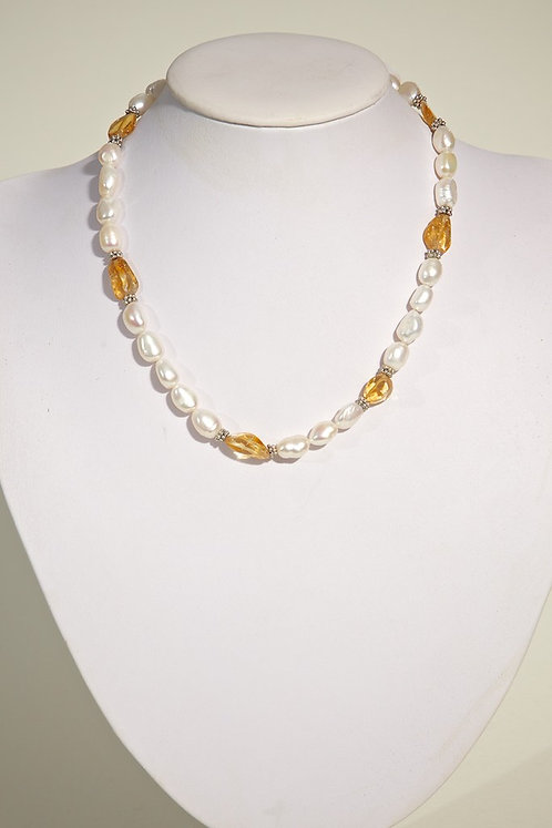 142  Pearls with citrine