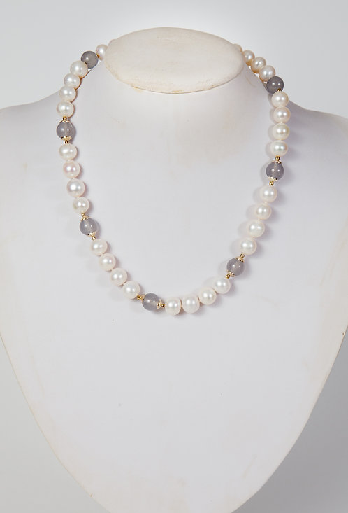 851 - Pearls with grey agate and silver