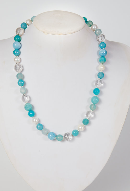 822 - Blue agate with crystals and pearls