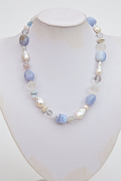 736 - Large Baroque pearls with blue agate