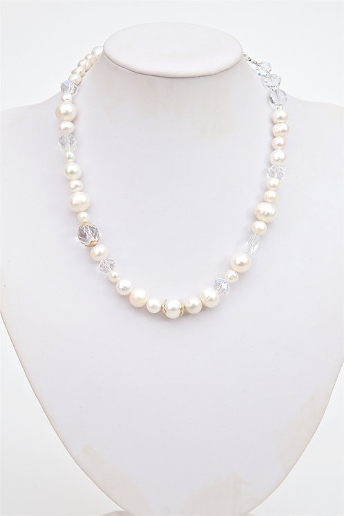 744 -  Pearls with crystals and silver