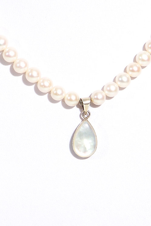 266 Pearls with pendant