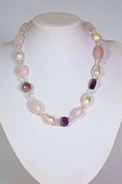 681 Rose quartz and pearls