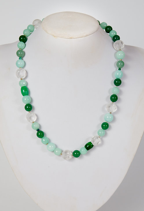823 - Green jade, agate and crystals