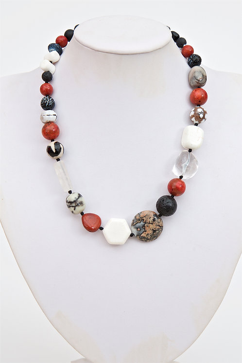 751 -  Mixed agate stones with coral