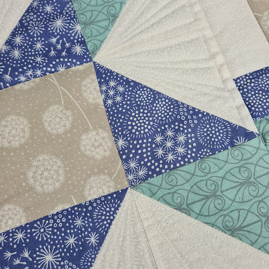 Quilt blocks imaginatively with this wonderful class by Sarah Payne!