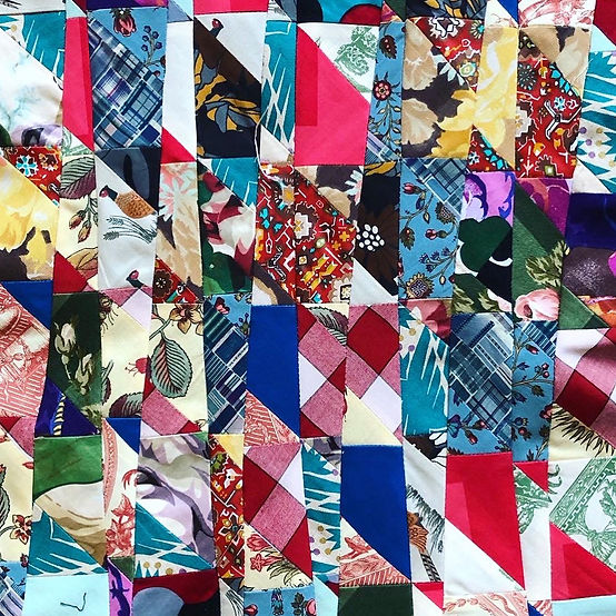 Get 'improv-happy' with this great class by top improv quilter, Chris English!