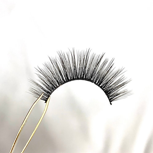 """Evelyn"" Silk Lashes"