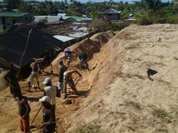 realizzazione di un muro di contenimento  della sabbia