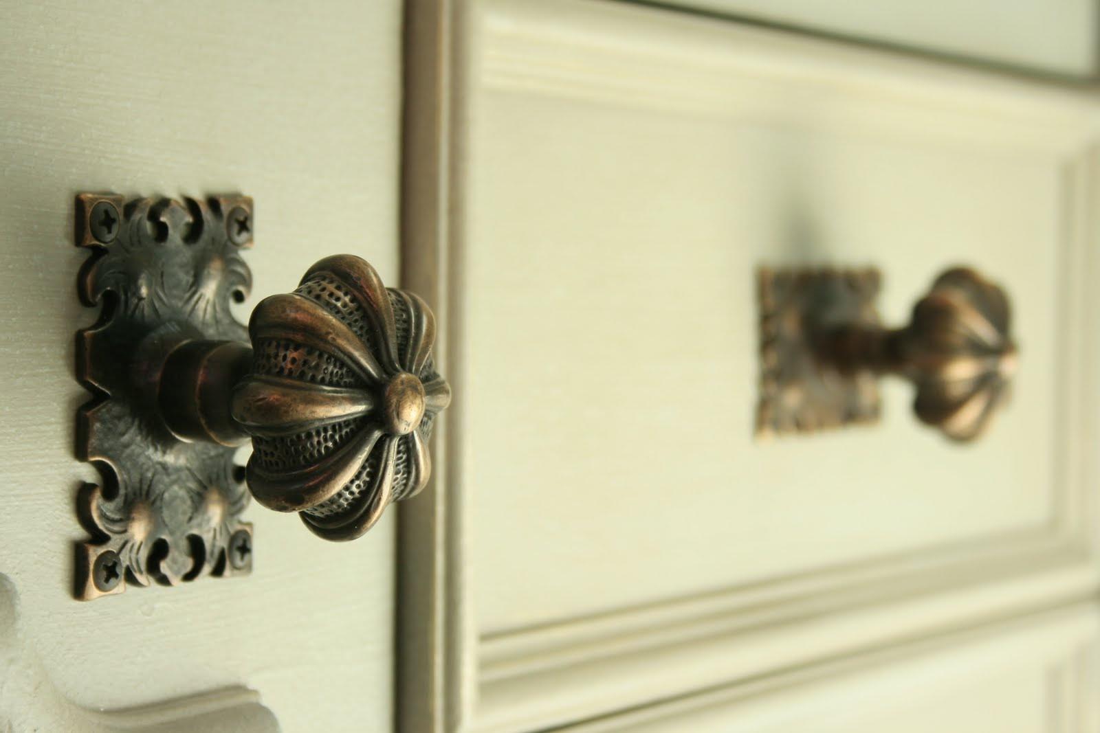 MLE Hardware Cabinet Knob #702