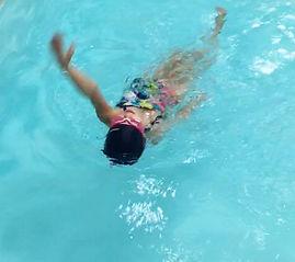 cours natation toulouse : séances en petit groupe pour enfants et adultes