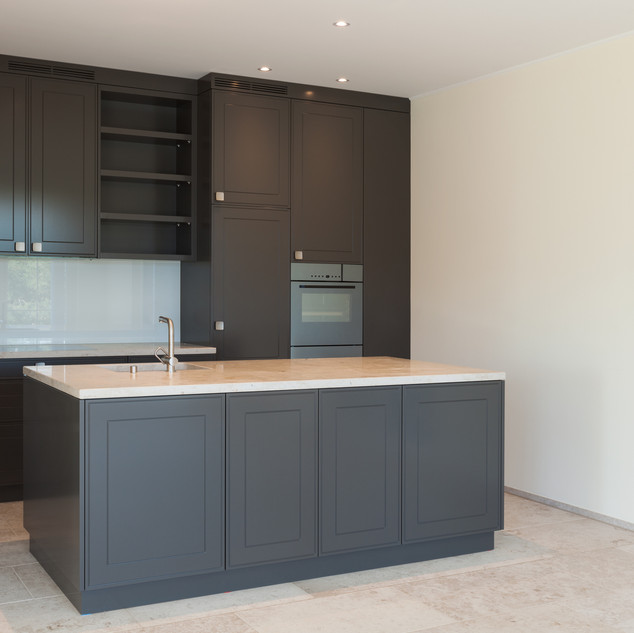 Kitchen remodel: installing cabinets and lighting