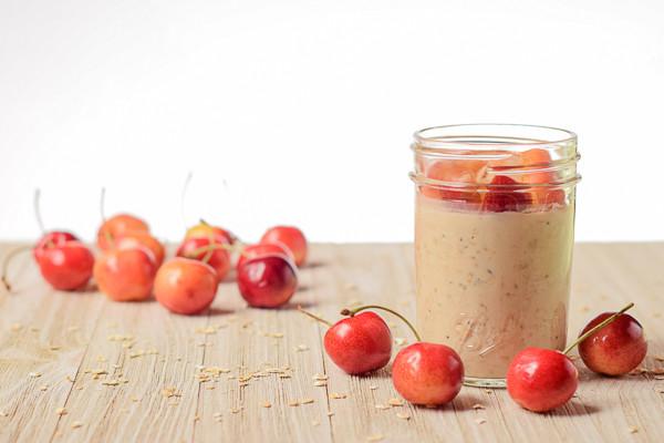 Rican Vegan Cherry Vanilla Overnight Oatmeal