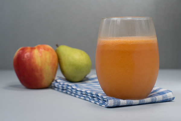 Rican Vegan Apple Pear Smoothie