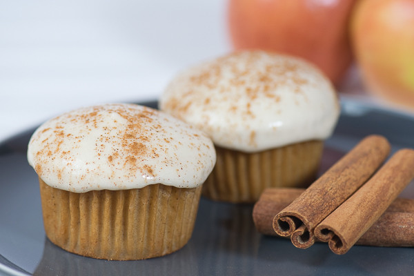 Rican Vegan Apple Cinnamon Cupcakes