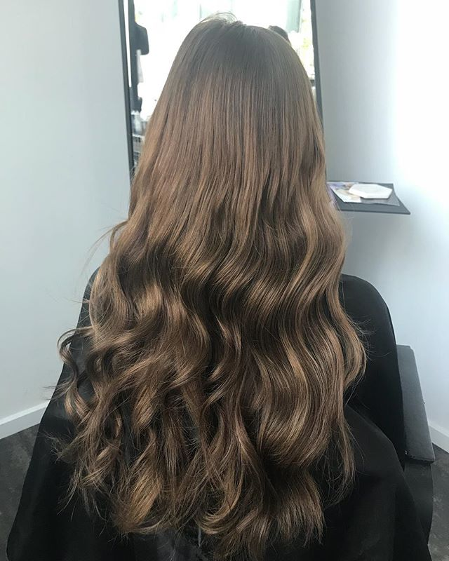 Just a bit of hair envy to kick off our mid week mini break! Full head of flat track wefts done by S