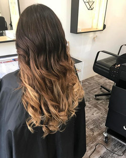 Little bit of Ombre for your Saturday morning - using my head for weft extension training for our ne