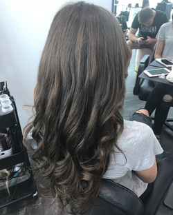🌴 Summer Brunettes 🌴Full head of Weft Extensions done by us! This medium ash brown is trending atm