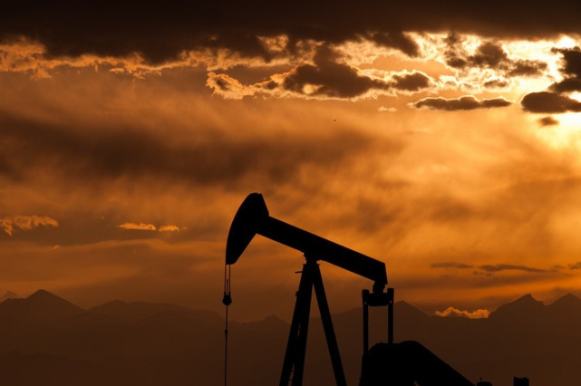 Paz y Petróleo