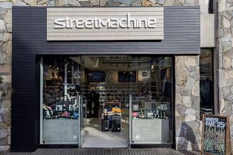 Street Machine_Mall Sport