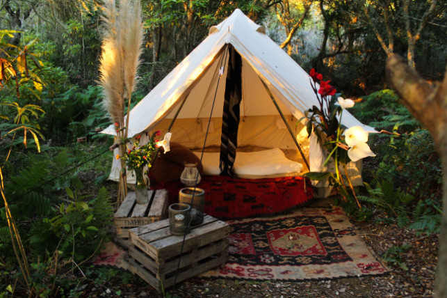 glamping-tent-guesthouse-terra-alta-port