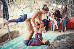 students-stertching-yoga-terra-alta-port