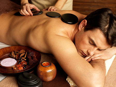 massaggio ayurvedico con pietre vulcaniche presso Body center emotions a Dueville ( Vicenza )
