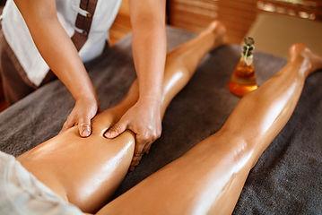 massaggio effetto freddo per gambe pesanti presso Body center emotions a Dueville ( Vicenza )