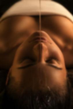 trattamento Ayurveda con olio presso il centro estetico body center emotions di dueville ( vicenza )