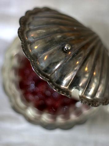 Allt serveras i vackra skålar