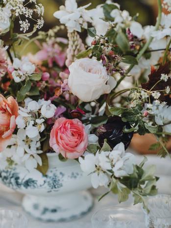 Porslinsterrin med blommor av The Flowershop