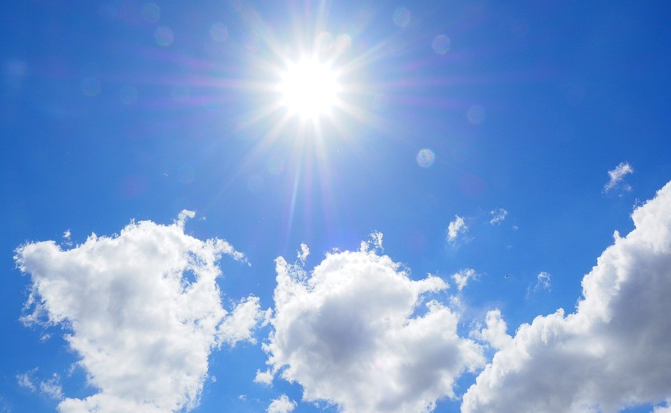 Check out guidance on keeping your child cool in hot temperatures including how to avoid dehydration, sunburn and overheating. Check out our website pages for advice.