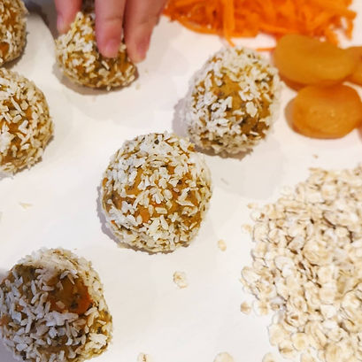 Apricot & Carrot Oaty Balls