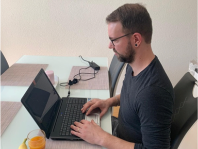 Dominiks kalter Sprung ins Home Office